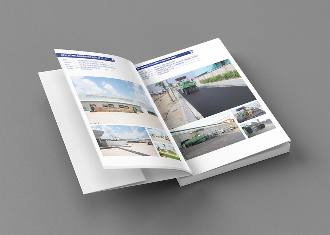 Book / Brochure – B6 –  Mockup